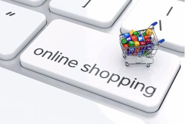 Mua online giúp chị em dễ so sánh giá và các phản hồi từ người dùng