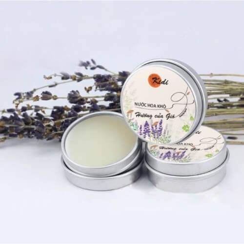 Nước hoa dạng sáp Kidi được sản xuất từ nguyên liệu tự nhiên 100%