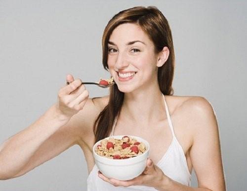 Ăn đúng loại ngủ cốc và phương pháp ăn khoa học có thể giúp giảm cân nhanh