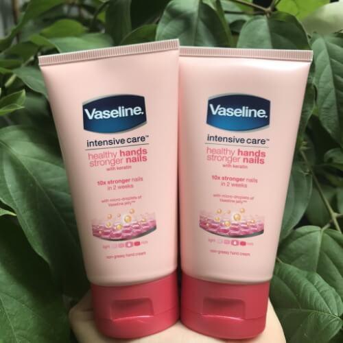 Kem dưỡng ẩm da tay và móng Vaseline