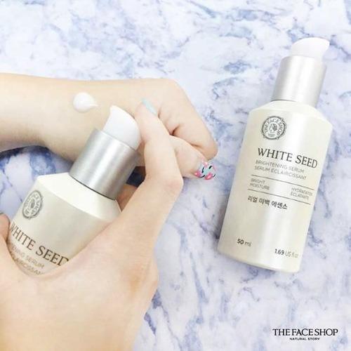 Ngoài khả năng dưỡng trắng, dòng serum này còn dưỡng ẩm sâu cho da