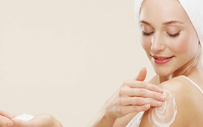 Sữa dưỡng thể giúp da căng mịn, tươi trẻ