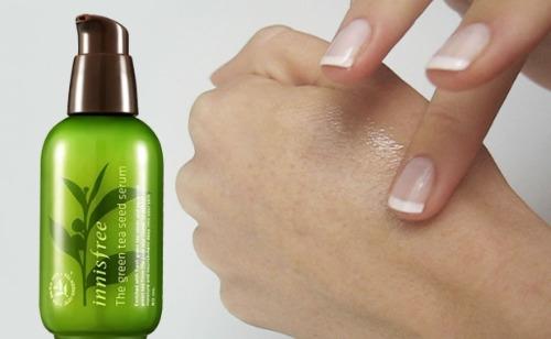 Serum Innisfree giúp dưỡng trắng da mặt và dưỡng ẩm