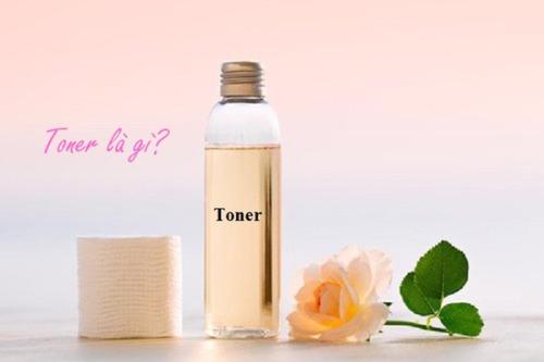 Toner còn gọi là nước cân bằng hay nước hoa hồng