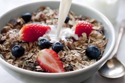 Ngủ cốc Neslté kết hợp với sữa không đường giúp giảm cân mà không cần nhịn bữa