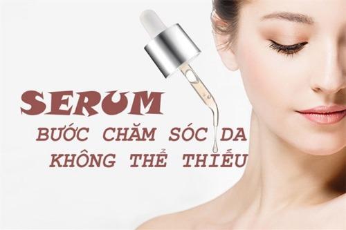 Thoa Serum giúp dưỡng trắng sâu cho da