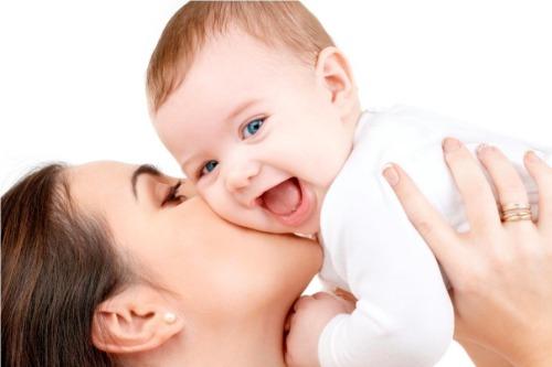 Sử dụng Lactamom giúp mẹ yên tâm cho bé bú sữa mỗi ngày