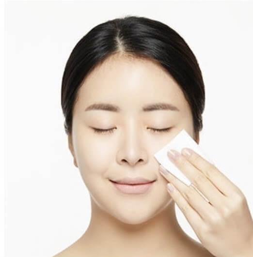 Sử dụng toner đúng cách giúp làm sạch da hiệu quả