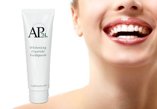Sử dụng kem đánh răng Ap24 2 lần/ngày để bảo vệ răng miệng