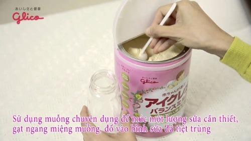 Pha sữa đúng cách giúp bé có bữa ăn ngon miệng