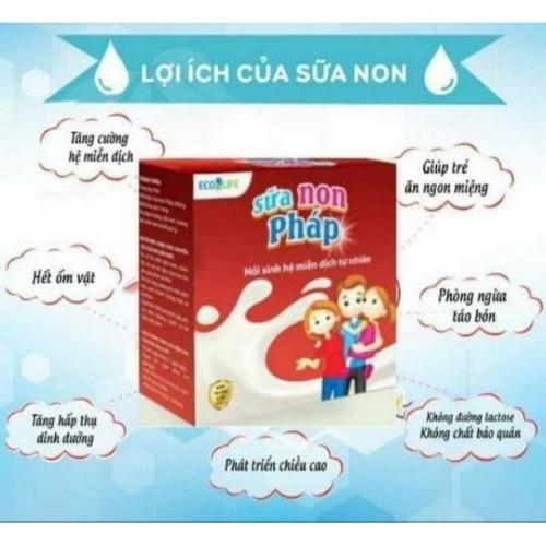 Sữa non Pháp giúp bổ sung thêm các dưỡng chất thiết yếu cho bé