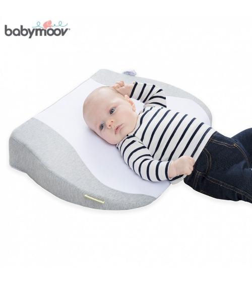 Babymoov được làm từ chất liệu Cotton và Polyester siêu mềm mại
