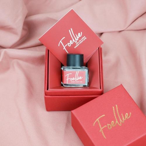Foellie Bébé - hương tươi mát của cỏ cây kết hợp với hương gỗ ấm áp