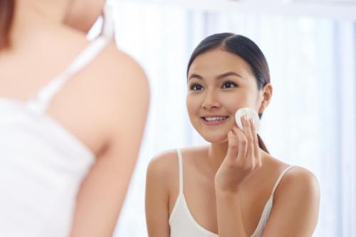 Sử dụng nước hoa hồng đúng cách giúp chăm sóc da tốt hơn
