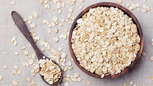 Ăn yến mạch tạo cảm giác no lâu nhờ chứa hàm lượng chất xơ cao và rất giàu protein