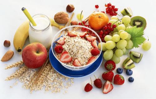 Yến mạch mix sữa, hoa quả